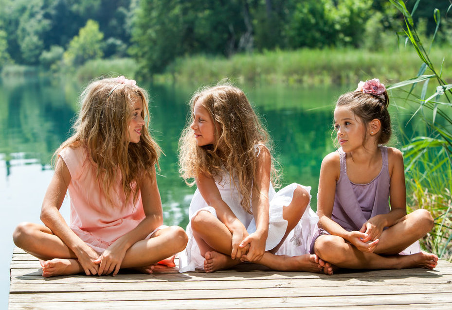 Helping Your Daughter With Healthy, Loving Friendship