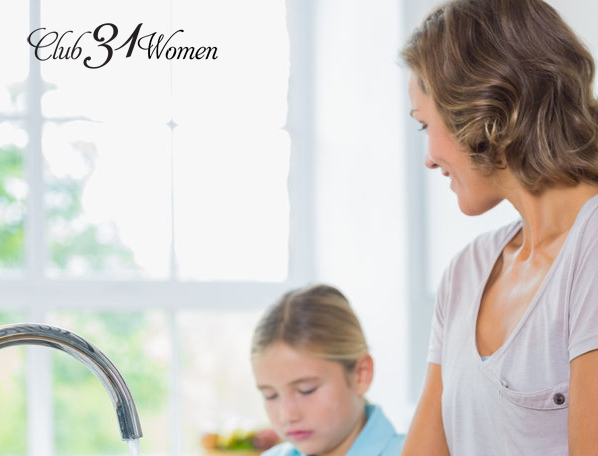 The Inside Scoop: How A Mother of 8 Keeps Her House Clean {or at least tidy}