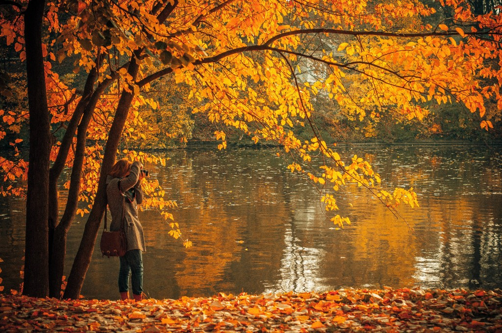 25 Falling-in-Love Fall Dates