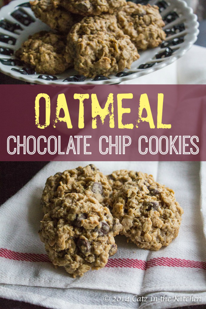 Oatmeal Chocolate Chip Cookies | Club 31 Women | club31women.com #cookies