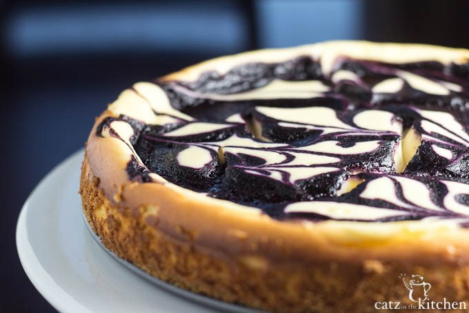 Blueberry-Swirl-Cheesecake-4