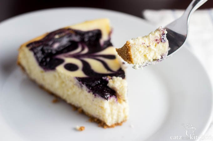 Blueberry-Swirl-Cheesecake-8