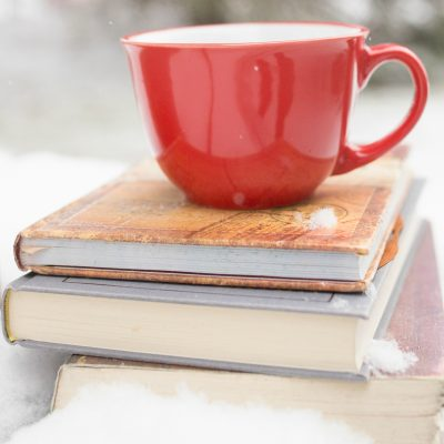 A List of the Best Christmas Story Collections to Read