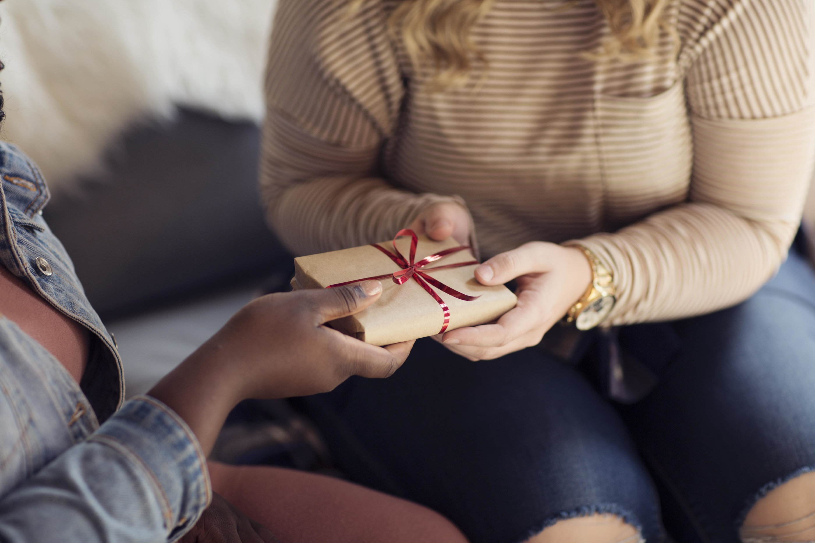 15 Simply Special Gift Ideas for Every Friend and Sister On Your ...