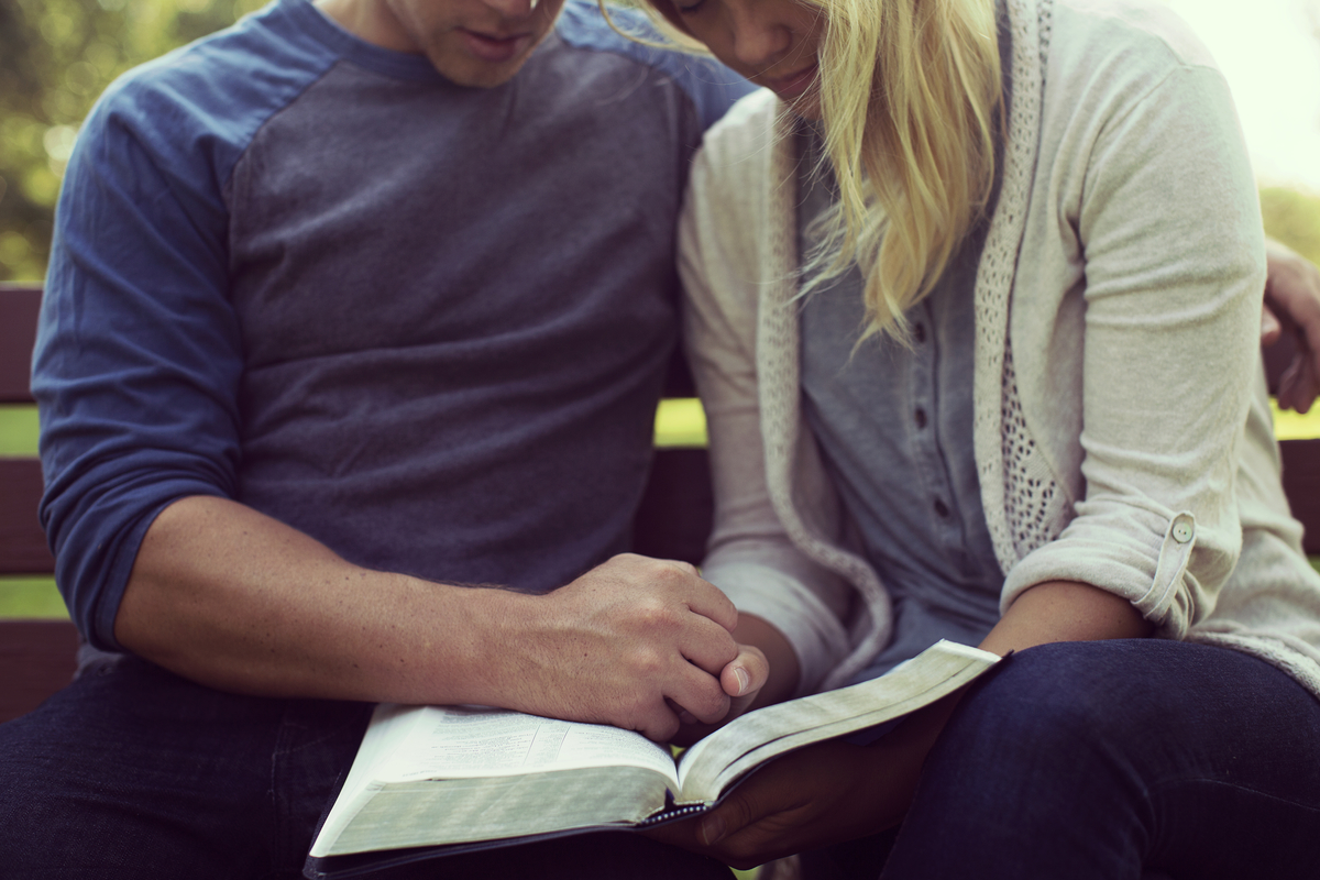 7 Verses You Can Cling to When in a Difficult Marriage {& Free Printable}