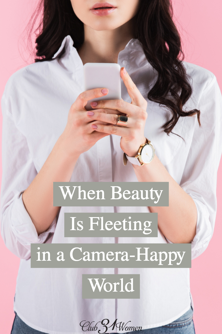 How can we live a life that balances beauty with virtue? Sure, every woman wants to feel beautiful. How does that look in today's selfie-taking culture? via @Club31Women