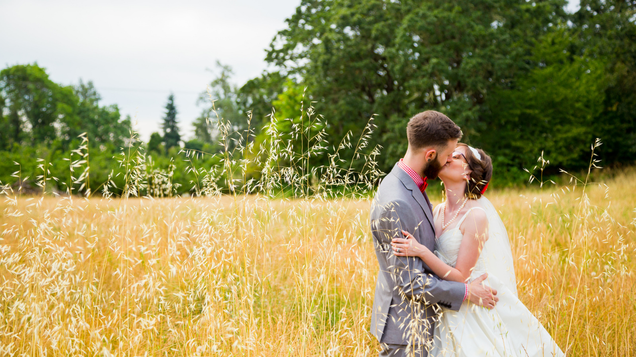 15 Christian Wedding Gift Ideas to Bless The New Couple