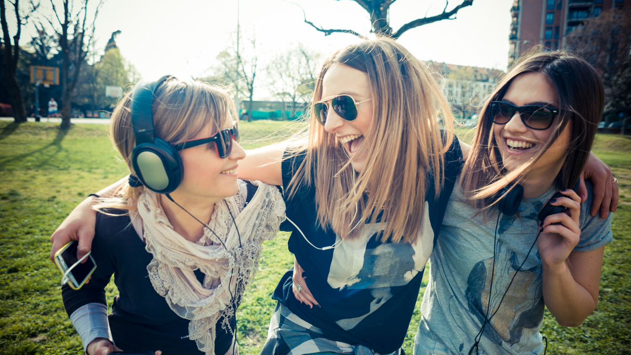 How to Help Your Daughter with Healthy, Loving Friendships